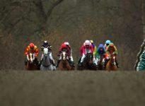 Apuesta de caballos en el hipódromo de Hamilton, 1 de Mayo